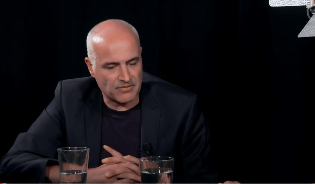 De 'Pitbull' van de journalistiek; Mark Koster met Esther van Fenema